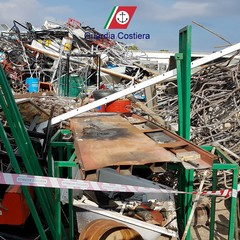 Discarica abusiva di materiale ferroso: una denuncia a Molfetta