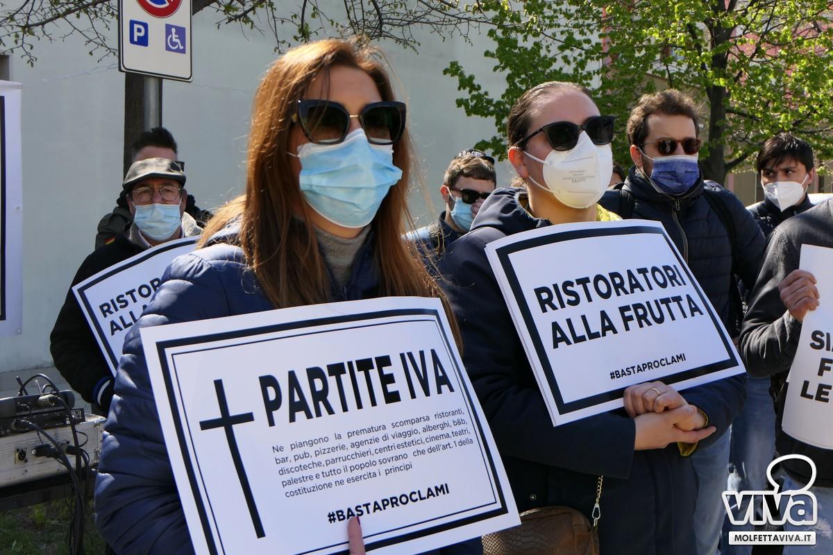 Protesta Molfetta JPG