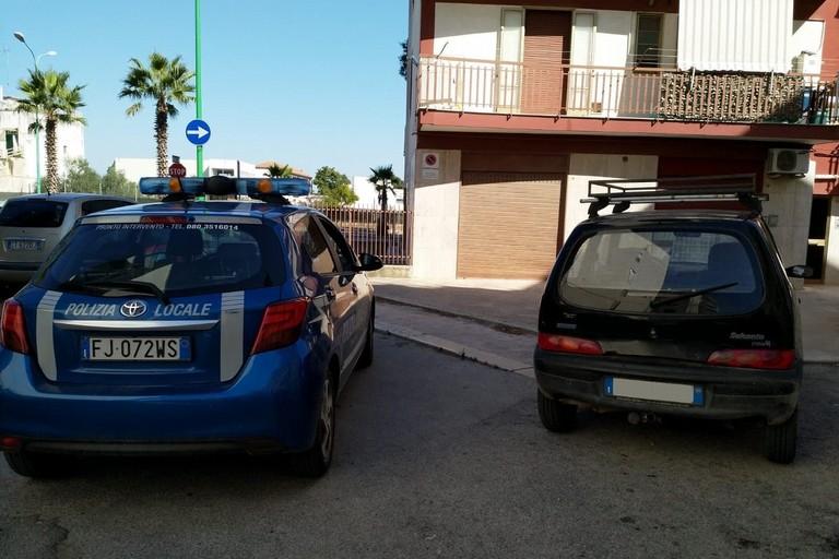 L'auto recuperata dalla Polizia Locale