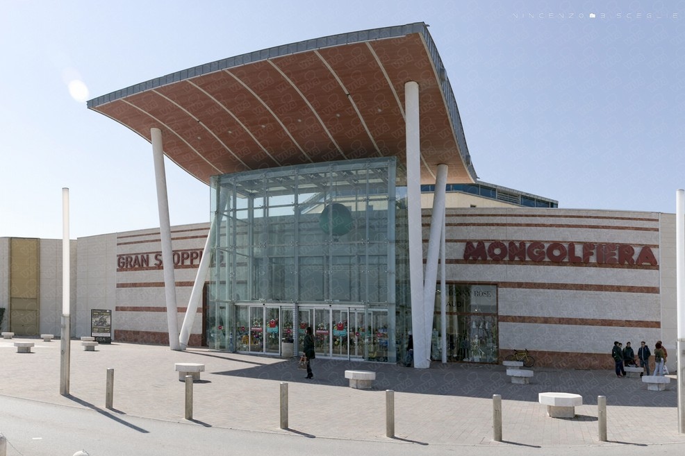 Gran Shopping Mongolfiera. <span>Foto Vincenzo Bisceglie</span>