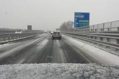 Arriva la neve, la Prefettura vieta la circolazione ai mezzi pesanti