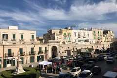 Stop a Corso Dante pedonale a Molfetta: ecco cosa ne pensano cittadini e commercianti