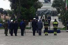 """25 aprile: """"pietra d'inciampo"""" per Graziano Fiore e omaggio ai caduti"""