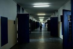 Melfi, due detenuti di Molfetta picchiano un agente. Quattro feriti