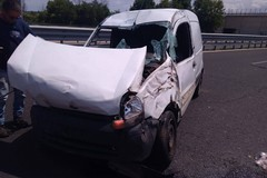 Incidente a Barletta, un'auto si ribalta. Ferita una donna, è di Molfetta