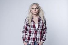 Anna Oxa torna a esibirsi in Puglia: il 14 luglio concerto a Corato