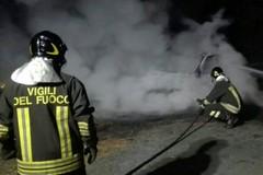 Tornano gli incendi d'auto. È successo in via Papa Montini