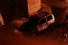 Auto in fiamme nei pressi di Via Apicella