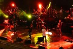 I Bambini di Vasco e la Filarmonica Pugliese incantano l'Anfiteatro
