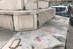 Vandalismo, numerosi danni in Piazza Vittorio Emanuele