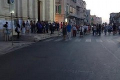 Migliaia i fedeli alla camera ardente per Mons.Martella
