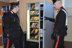 I ladri entrano all'Orion e rompono i distributori automatici