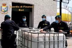 La Guardia di Finanza dona alcool sequestrato: diventerà disinfettante