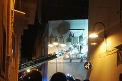 Donna bloccata in casa, Vigili del Fuoco intervengono in Piazza Paradiso