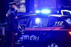 Ladro tenta la fuga in mare, ma a riva lo aspettano i Carabinieri