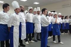 Gli chef cucinano per i malati di Alzheimer e per le persone più deboli