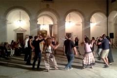 Nel chiostro di San Domenico si balla con le danze popolari