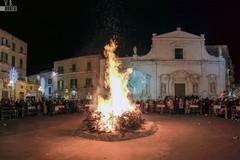 Celebrazioni, luminarie, fuochi: Molfetta festeggia il Patrono San Corrado