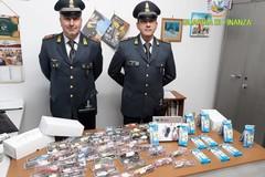 Prodotti contraffatti, controlli della Finanza: scattano sequestri e denunce