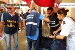 Deteneva illegalmente datteri di mare, denunciato un uomo a Molfetta