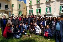 Earth Day: la Gioventù Francescana pianta un albero in piazza Vittorio Emanuele
