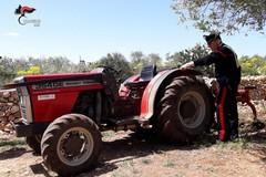 Trattore rubato a Molfetta ritrovato a Grumo: nei guai un 62enne