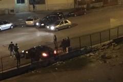 Via Victor Hugo, un'auto finisce contro un muro. LE FOTO