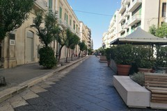 No al traffico, si a controlli e pulizia: i commercianti di Corso Umberto incontrano Minervini