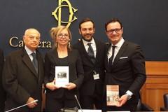 """""""Illuminiamo la tradizione"""": il documentario di Roberto Pansini a Montecitorio"""