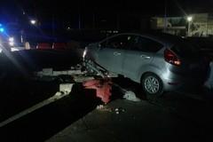 Auto contro la rotatoria: nella notte tre incidenti lungo la strada per Giovinazzo