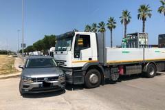 Tir piomba su una automobile: brutto incidente in Via Olivetti a Molfetta