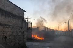 Incendio nei pressi delle stalle nel rione Arbusto a Molfetta