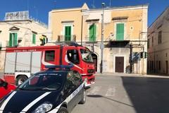 Cade intonaco su via Madonna dei Martiri, sul posto Vigili del Fuoco e Polizia Locale