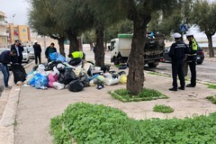 Emergenza rifiuti a Molfetta: Polizia e Asm in operazione su Viale dei Crociati