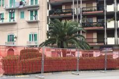 In Piazza Garibaldi i simboli della visita di Papa Francesco a Molfetta