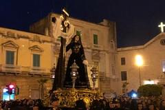 Le immagini della processione dell'Addolorata a Molfetta