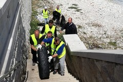 Inizia ufficialmente oggi il piano di pulizia delle spiagge di Molfetta (FOTO)