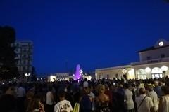 Molfetta scopre Piazza Moro riqualificata e la nuova fontana: le immagini dell'inaugurazione