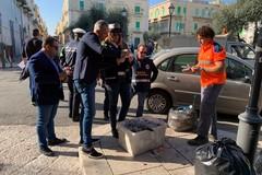 Controlli tra piazza Paradiso e via Paniscotti, fioccano le sanzioni contro gli incivili a Molfetta