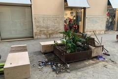 Via le panchine da Corso Umberto, accolta la richiesta dei commercianti