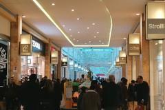 Primo giorno di saldi a Molfetta: centri commerciali presi d'assalto