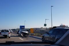 Scontro tra auto sulla SS16 bis, code e rallentamenti in zona Molfetta