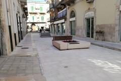 Tornano le panchine nelle nuove aree pedonali di Corso Umberto