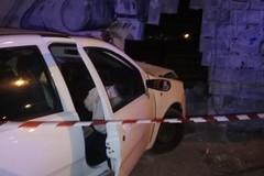 Perde il controllo dell'auto e sfonda il muro dello stadio Poli