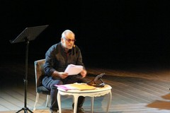 Enzo De Caro incanta Molfetta a teatro