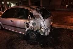Un'altra auto in fiamme al rione San Giuseppe. 4 roghi in 37 giorni