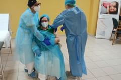 V-Day per Linda Tavella: è di Molfetta una delle prime vaccinate contro il Covid