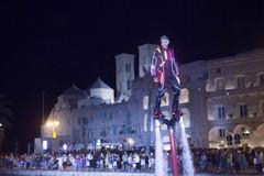 Andrea Salamina, l'uomo volante nel porto di Molfetta: «Una grande emozione»