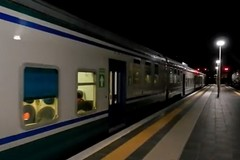 Investito da un treno: soccorsi sul posto, circolazione rallentata