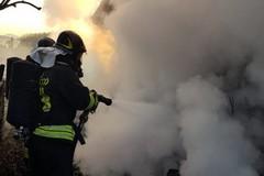 """Due incendi di auto in una notte, il """"fenomeno"""" ritorna pure in via Goerlitz"""